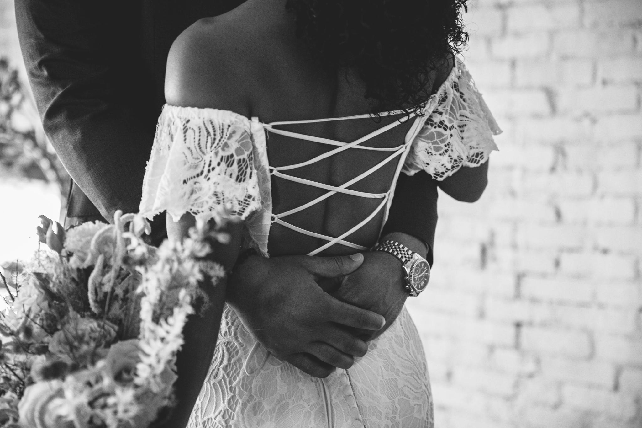 Victoria + Ross - Tropical Oasis Wedding Inspiration - Oahu Hawaii Wedding Photographer - Johanna Dye Photography   18.jpg