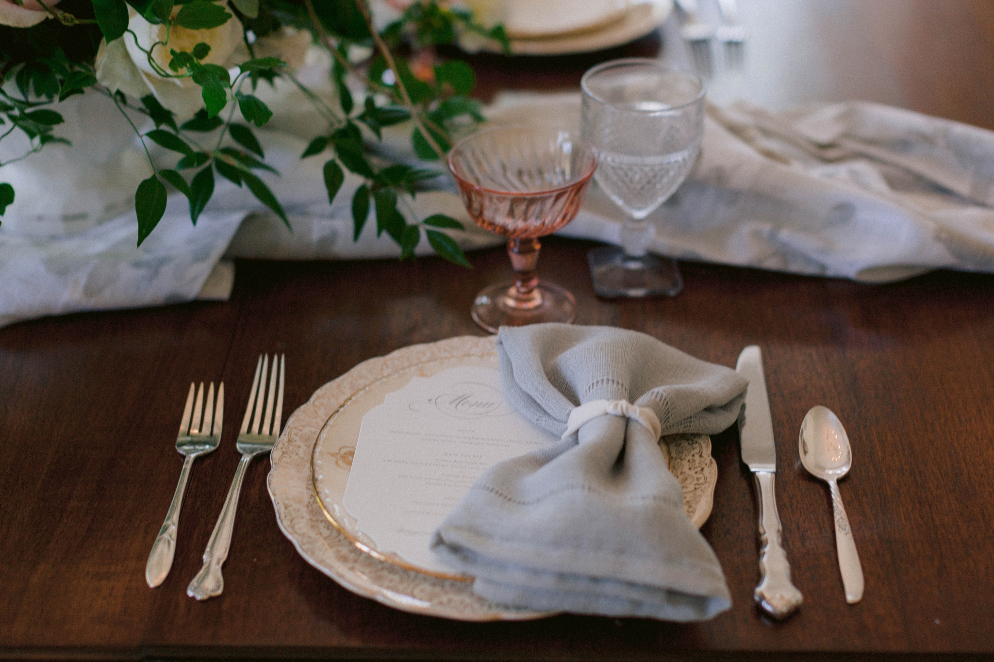 classic and conservative luxury Wedding Table place settings  - blue and pink hues with lots of greenery - reception dinner decoration inspiration - honolulu oahu hawaii wedding photographer - johanna dye photography