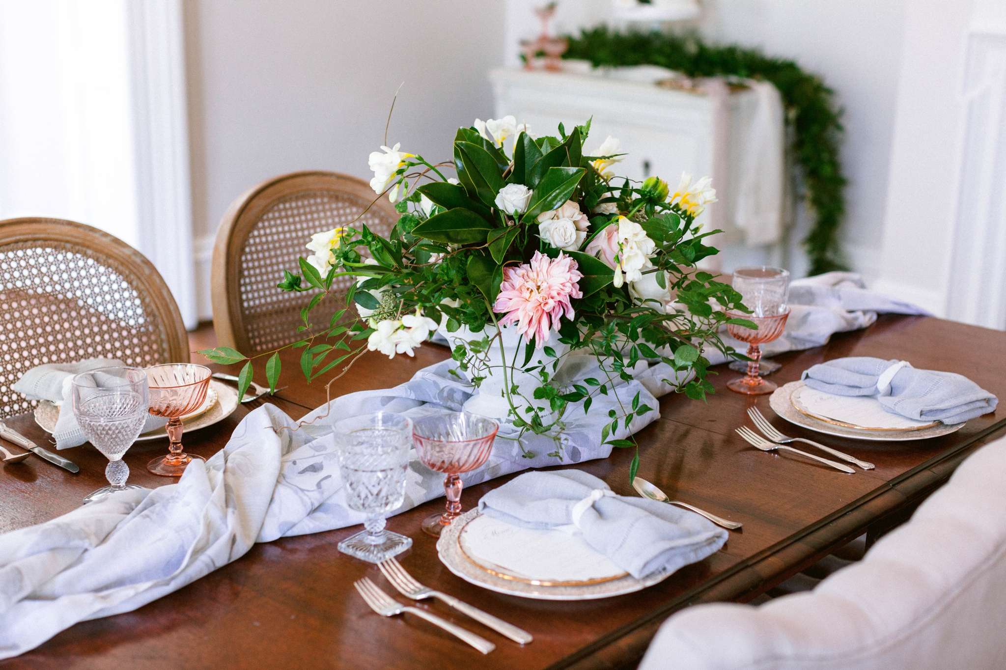 large flower centerpiece - classic and conservative luxury Wedding Table place settings - blue and pink hues with lots of greenery - reception dinner decoration inspiration - honolulu oahu hawaii wedding photographer - johanna dye photography