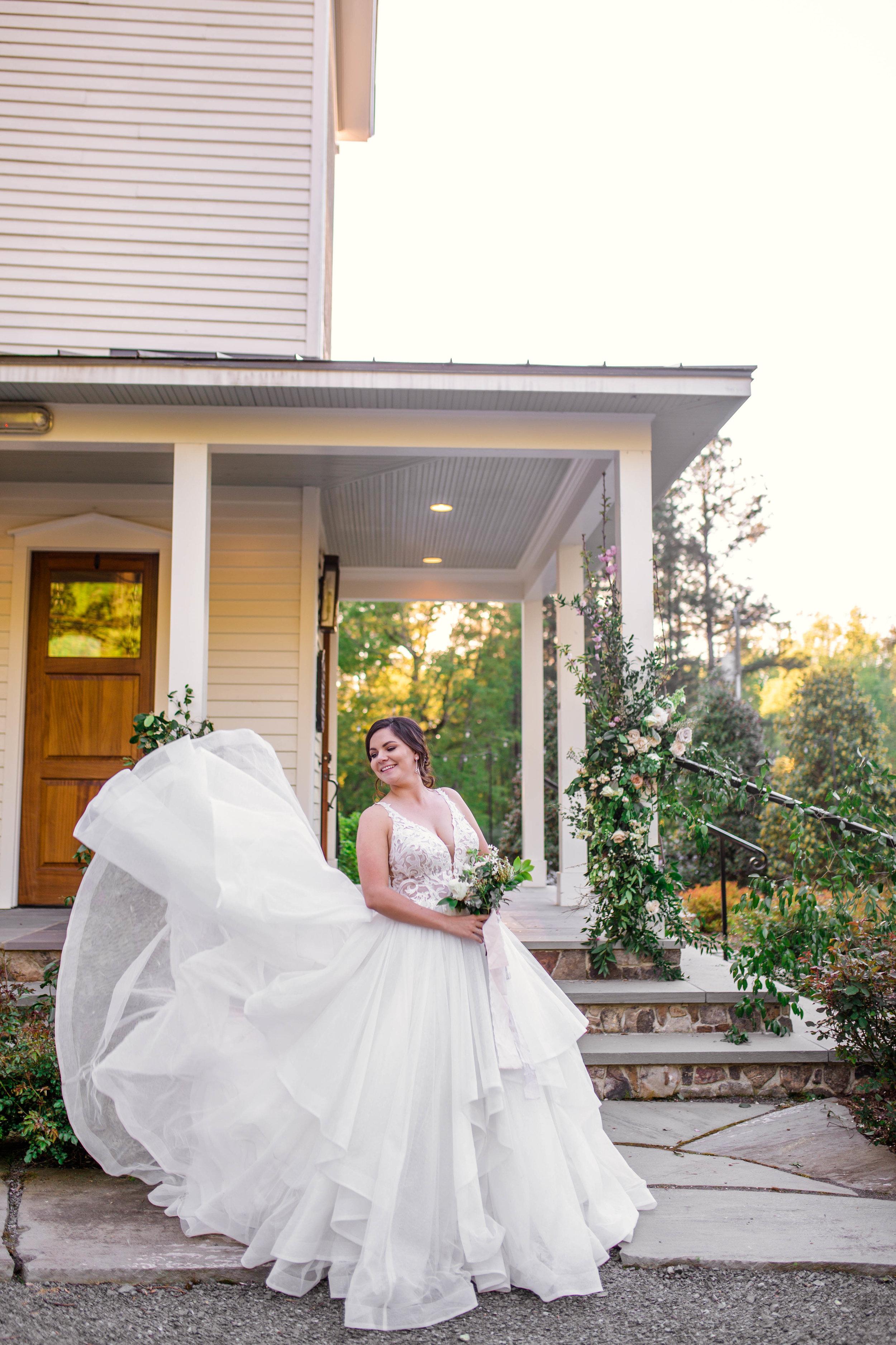 JohannaDyePhotography-couple-chapel-25.jpg