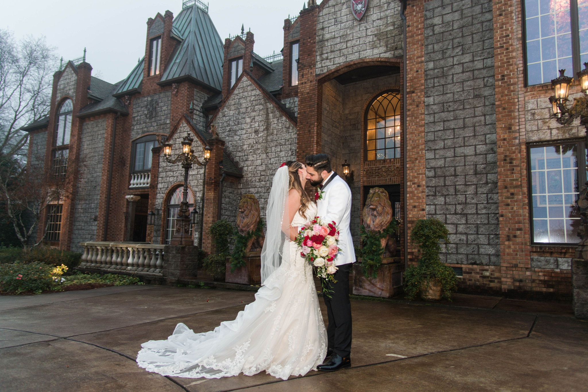 Portraits of the Bride and Groom in front of the Castle - Honolulu Oahu Hawaii Wedding Photographer