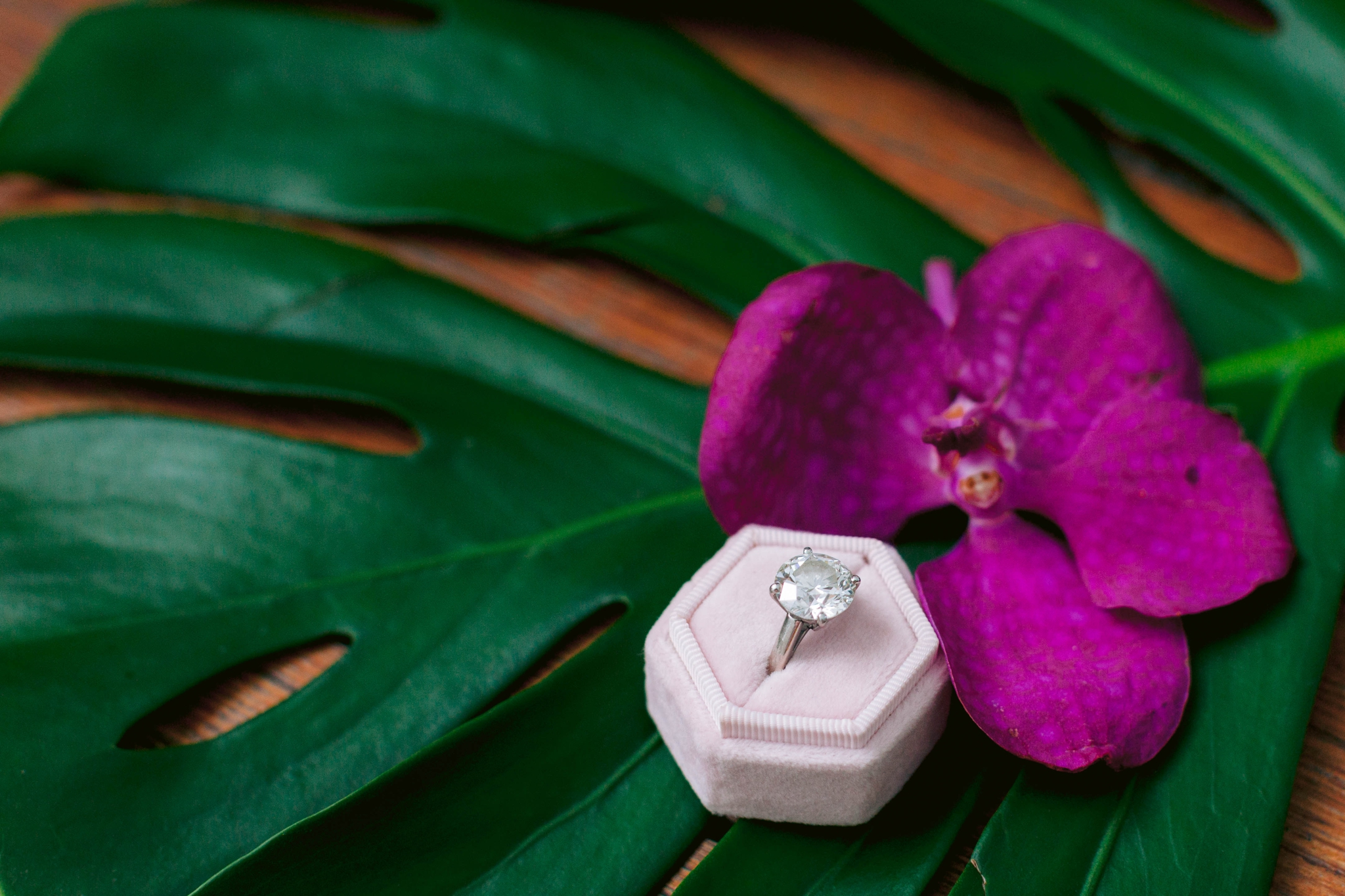 Huge Diamond Ring with a tropical leave and hibiscus flower for your Hawaii Wedding -  Navy, Green, Gold and Berry colored Tropical Wedding Inspiration for your Wedding in Hawaii! - Honolulu, Oahu, Hawaii Photographer - Fine Art Film Photography - Light and Airy
