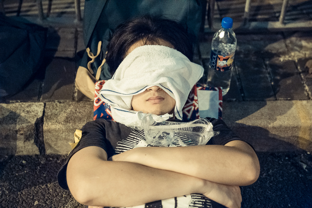 HDP-arts.com_Sleeping Soldier_Umbrella Revolution-0401.jpg