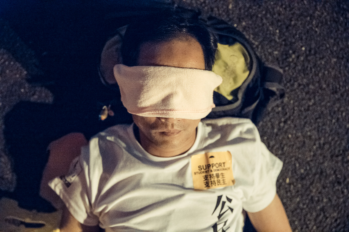 HDP-arts.com_Sleeping Soldier_Umbrella Revolution-9582.jpg