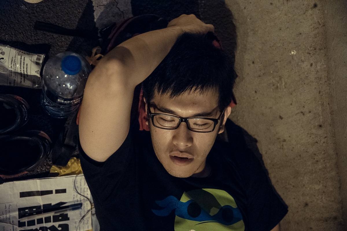 HDP-arts.com_Sleeping Soldier_Umbrella Revolution-9609.jpg
