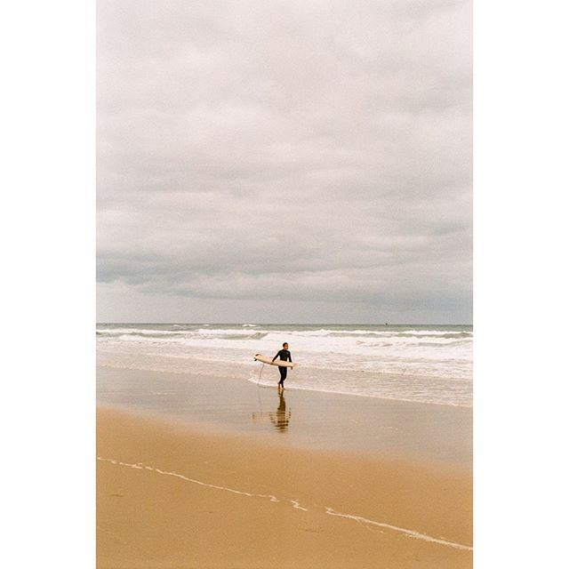 Gone Surfing // #35mmdiaries  Stay tuned for our film documentary taken in france! from life scenarios to beautiful landscapes ! 📸 shot on #leicam6  and #superia400 🎞 scan and dev @showa_f  #analogphotography #filmgrain #filmphotography #france #voyage #plage #travel #sky #documentaryphotography #vespapx200 #mehari #filmcamera #vintage #car #doc #surf