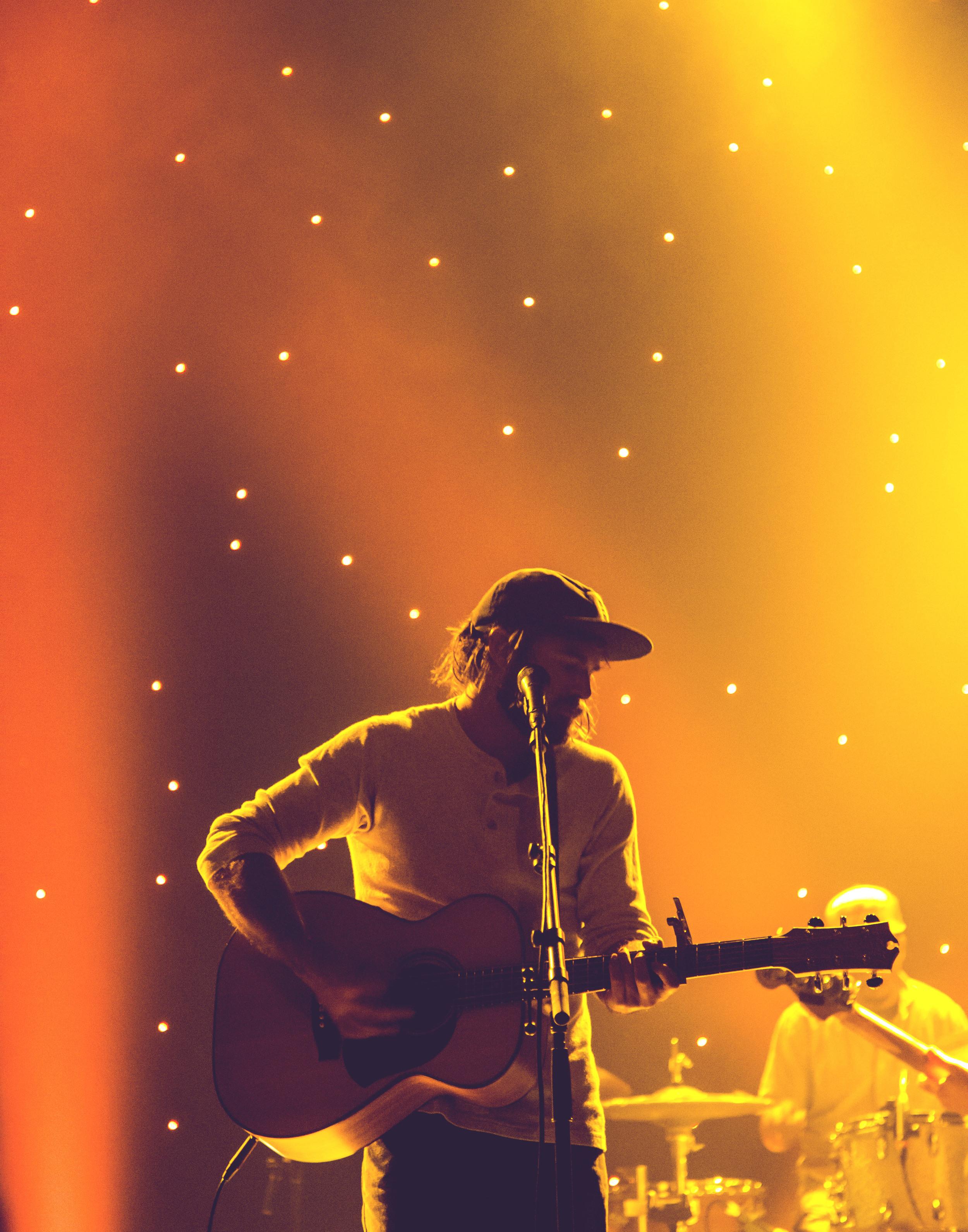 Angus Stone - Live