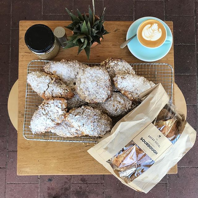 Early bird gets the worm! 🐧 freshly baked almond croissants and @thebreadsocial sourdough until we run out folks! #brunswickheads