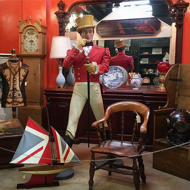 Johnnie Walker is apparently the Greatest Showman in town 😉 We love him. #johnniewalker #lancelothillantiques #southernhighlands #antiques