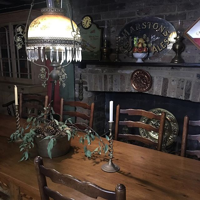 Mood lighting. #lancelothillantiques #antiques #southernhighlands #collectibles #antiquefurniture