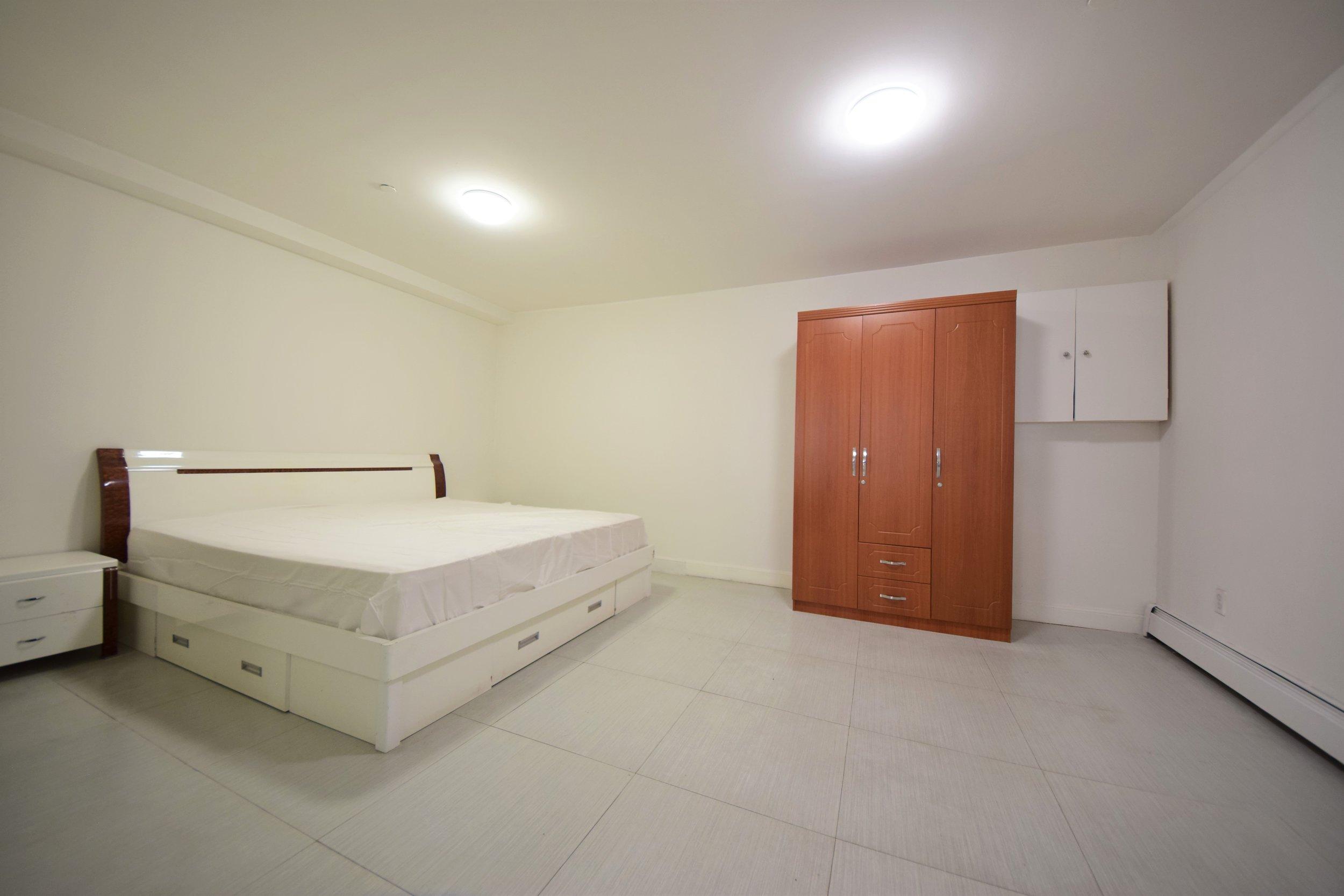 Master Bedroom- Small.jpg
