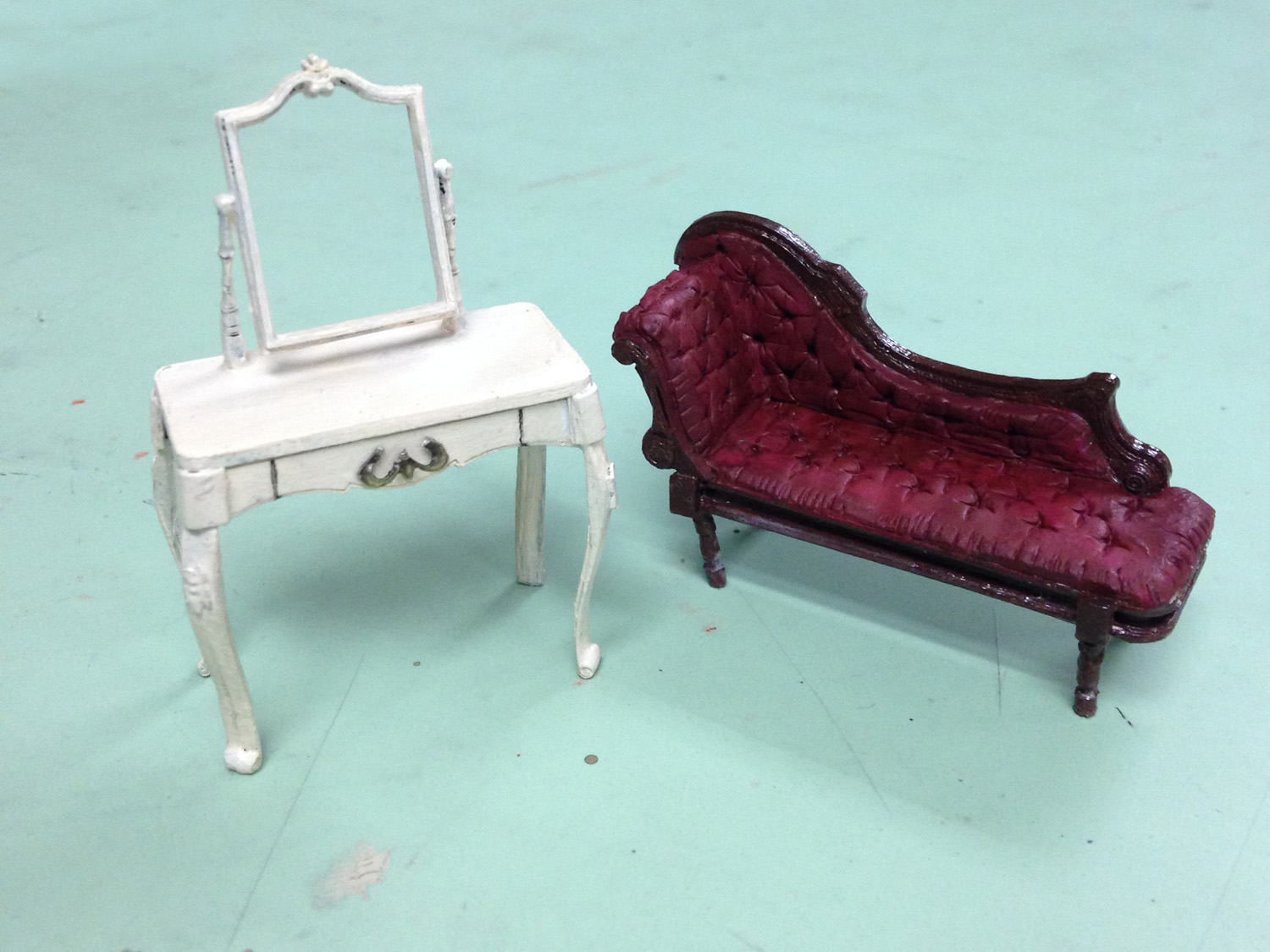 Vanity and Chaise for <i>Cat on a Hot Tin Roof</i>