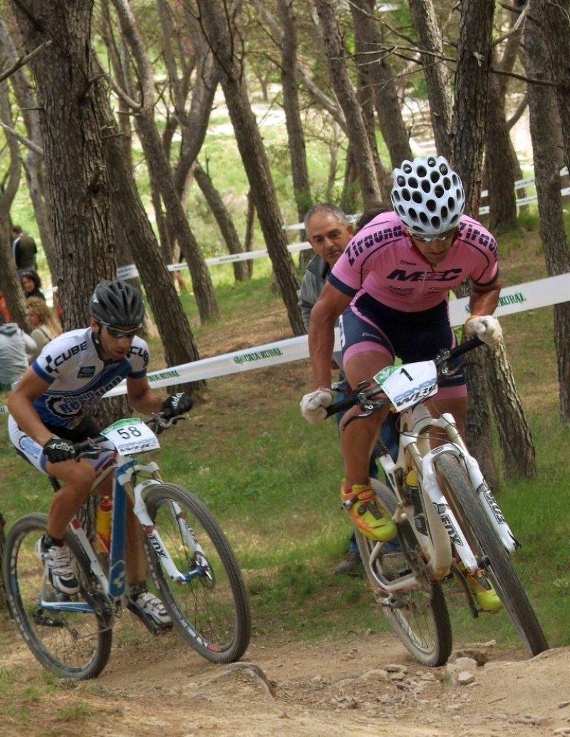 Patxi Cia leading Ismael Ventura