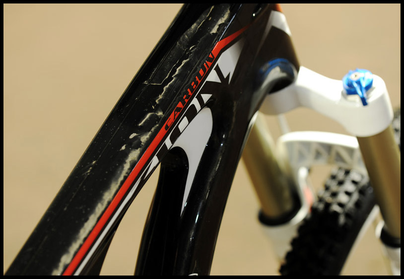 Got rigidity? Massive 3D reinforcement ensures the front end is super stiff. Point and shoot with absolute precision