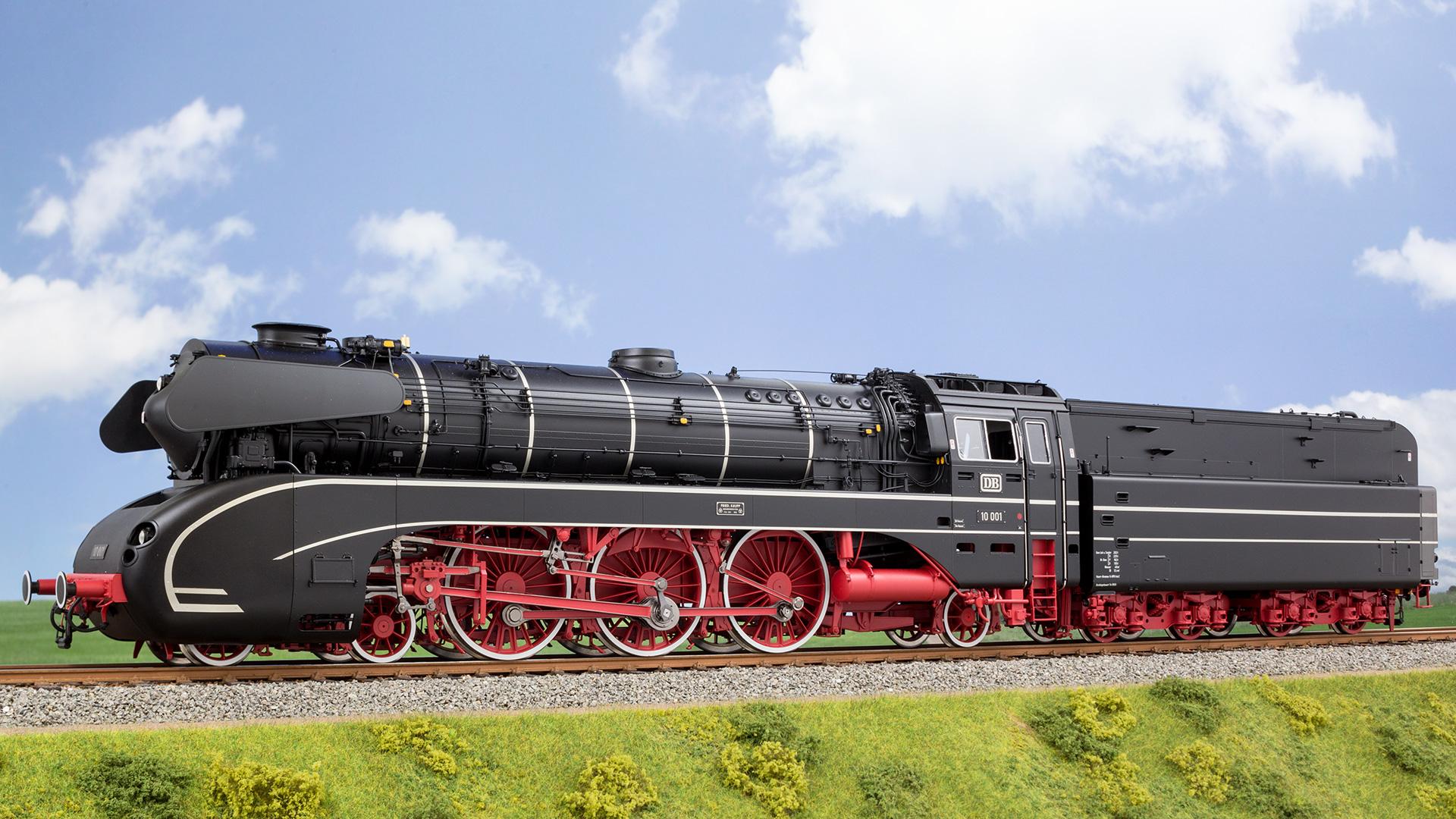 Die Baureihe 10 der Deutschen Bundesbahn, gefertigt im Maßstab 1:32. Komplett aus Metall verfügt das exakte Modell über Sound und zahlreiche Digitalfunktionen.