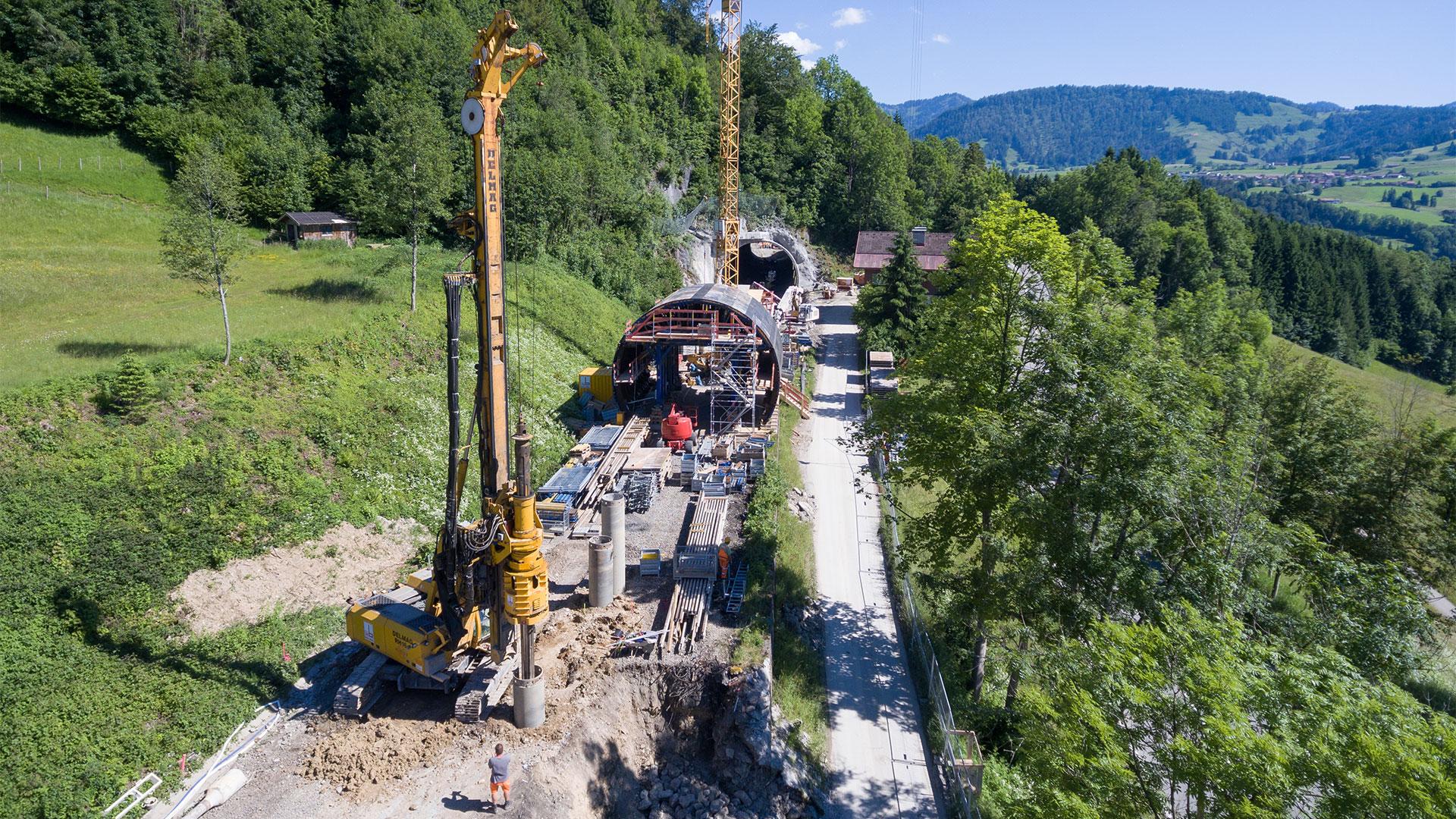 Drohnen-Aufnahme - DB Tunnel-Baustelle
