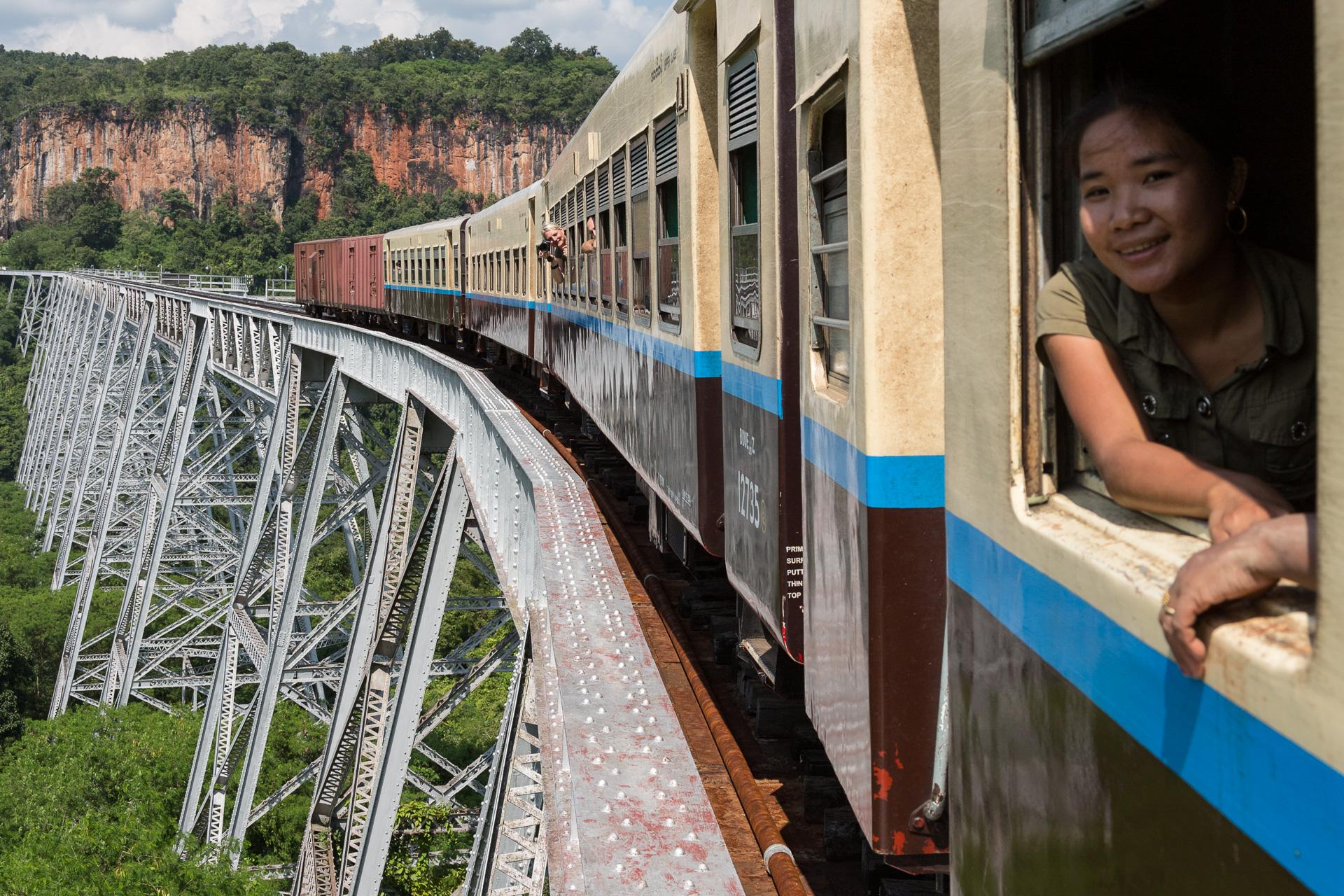 Fahrt über die Gokteik Brücke im Shan-Staat