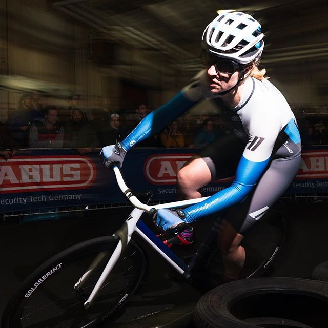 #notjustboysfun @bike_perle raced her way to the finals at Saturdays @radrace And what a final it was! So much passion, so much skill!! Great second place finish. Still #impressed! #somanyleftturns @teamschindelhauergates @schindelhauerbikes #radrace #bikerace #trackbike #nobrakes #flashphotography #berlin