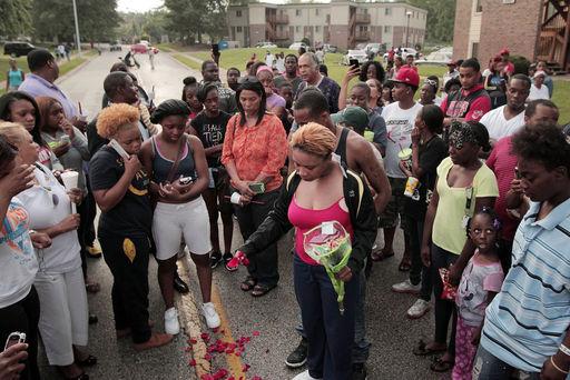 AP Photo/St. Louis Post-Dispatch, Huy Mach