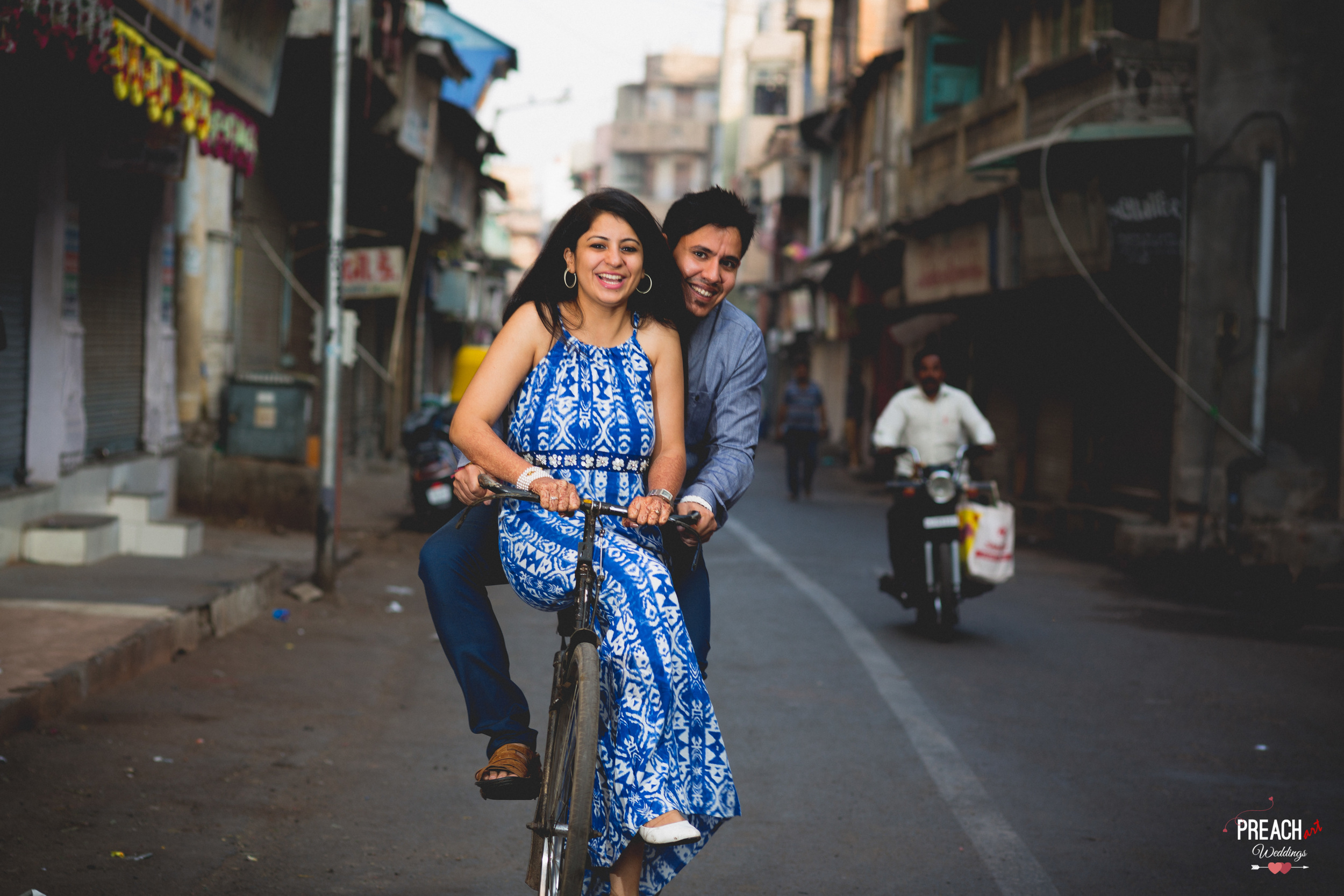 V&M_PRE-WEDDING SHOOT_AHMEDABAD OLD CITY_PREACH ART-11.jpg
