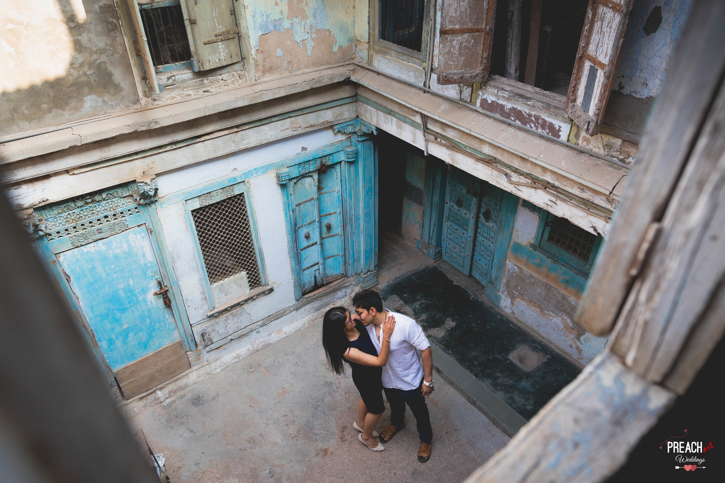 V&M_PRE-WEDDING SHOOT_AHMEDABAD OLD CITY_PREACH ART-26.jpg