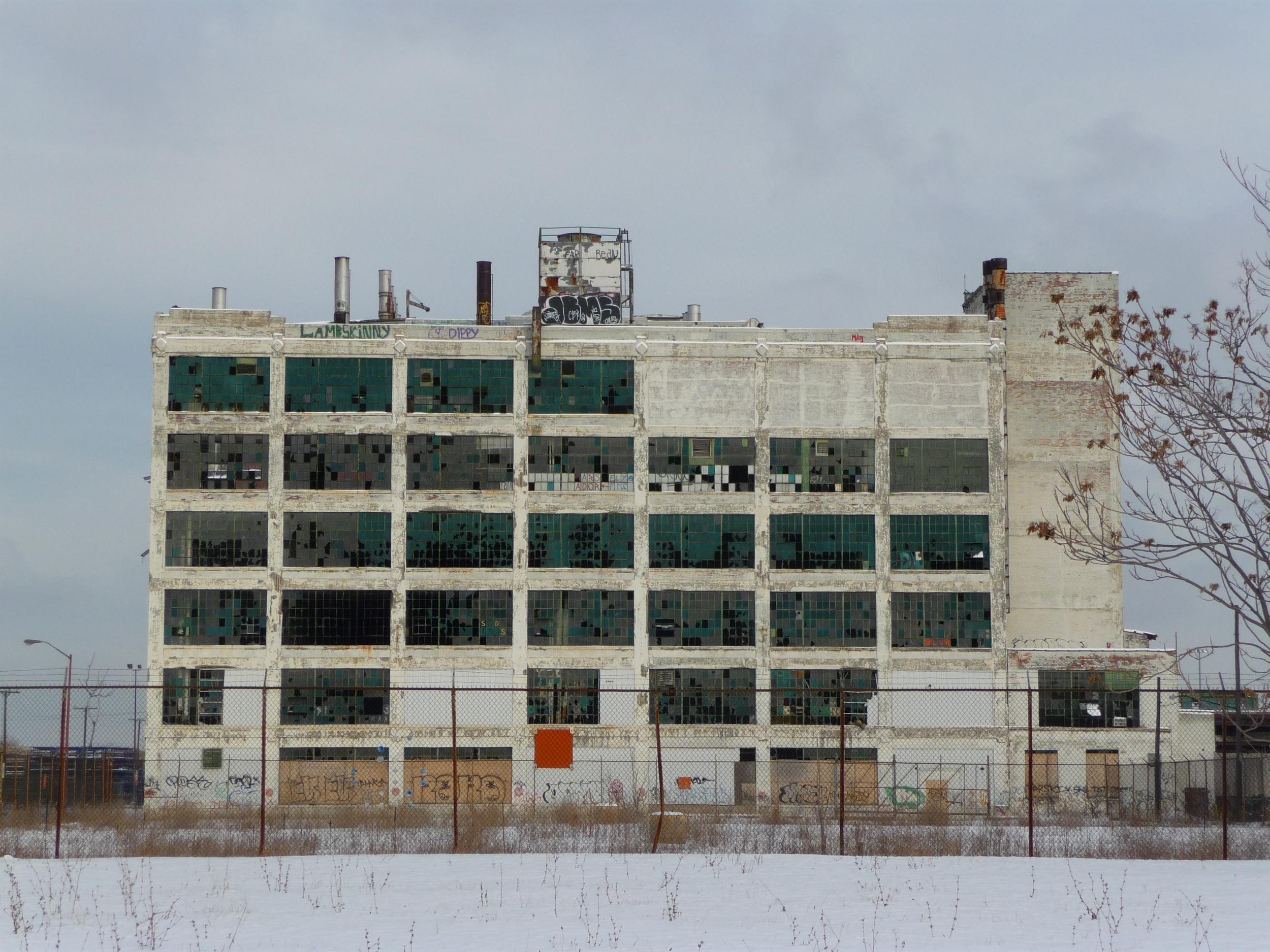 Fischer Body Plant in Flint, MI. By Patrickklida (Own work), via Wikimedia Commons