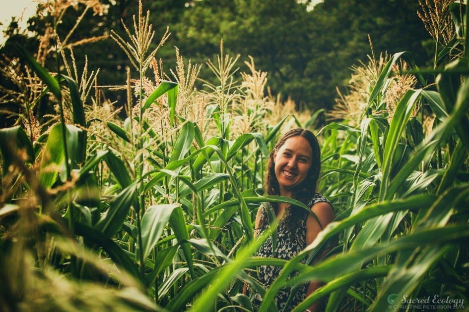 Rowen White is a Seed Keeper from the Mohawk community of Akwesasne and a passionate activist for seed sovereignty. She is the director and founder of Sierra Seeds, an innovative organic seed cooperative focusing on local seed production and education, based in Nevada City, California.