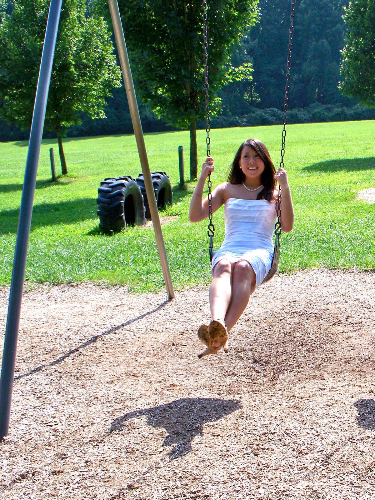 jenn-wedding-2009-swings.jpg