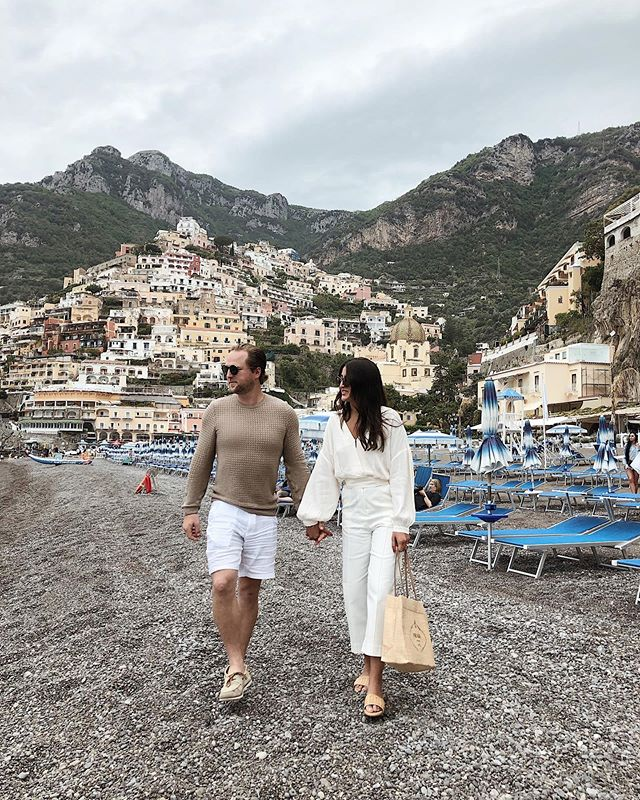 'Positano bites deep 🍋 It is a dream place that isn't quite real when you are there and becomes beckoningly real after you have gone.' Steinbeck @alexahosn 📸: @alanahosn