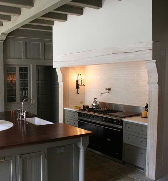 Ruard Veltman Architecture  | Jacobean Tudor Kitchen