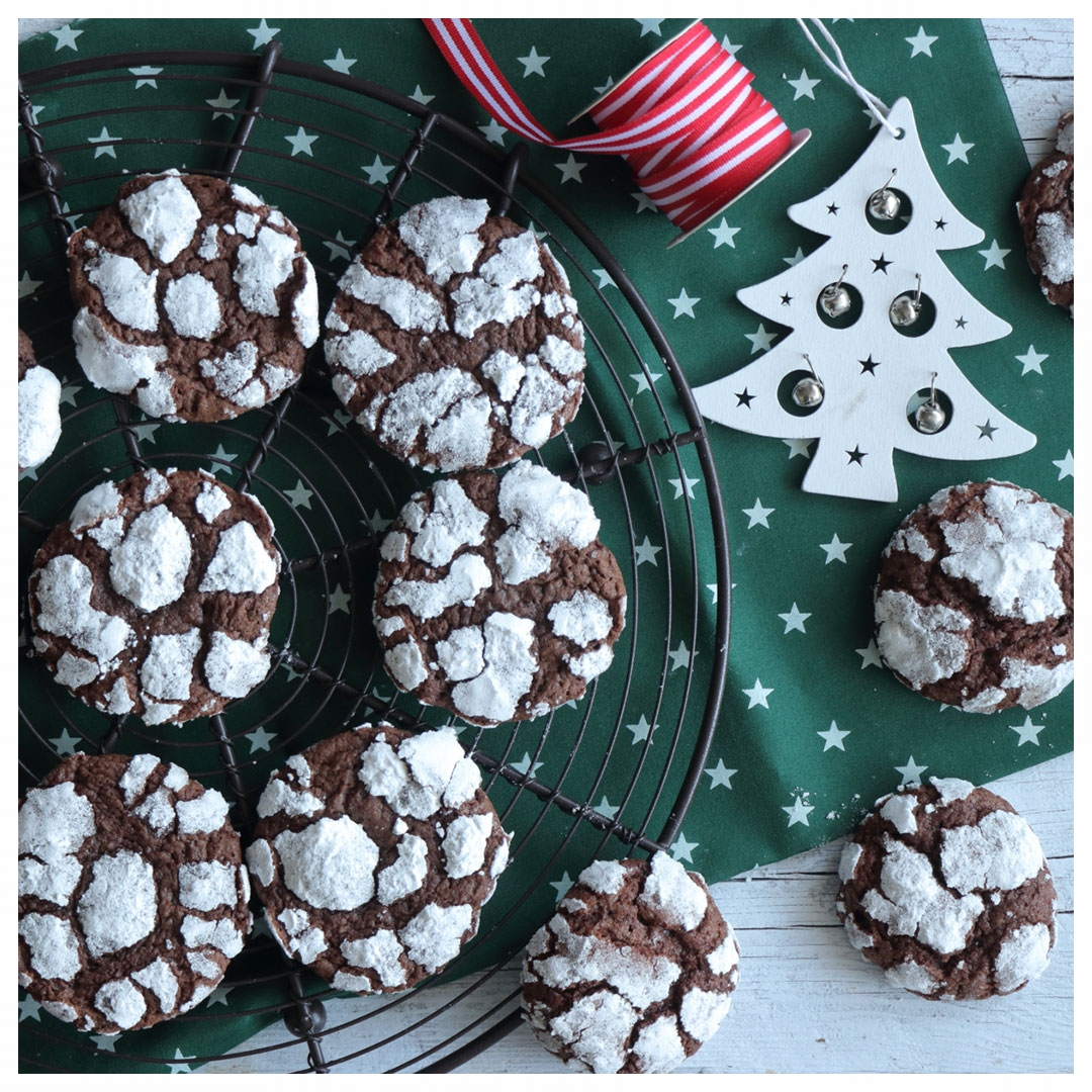 ΦΒ-C147-Χιονισμένα-ραγισμένα-μπισκότα-σοκολάτας-IMG_3389_1.jpg