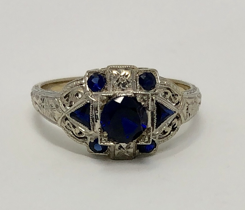 18K White Gold Deco Period Sapphire Ring