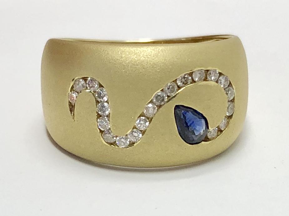 18K Yellow Gold Blue Sapphire Diamond Snake Ring