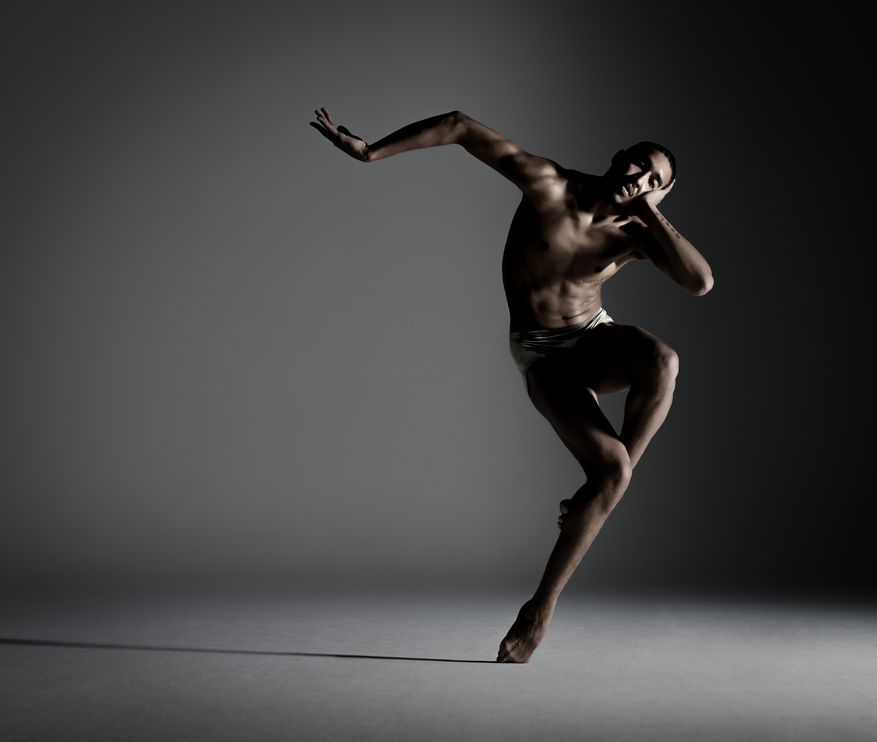 Dancer: Shuaib Elhassan; Photo: RJ Muna