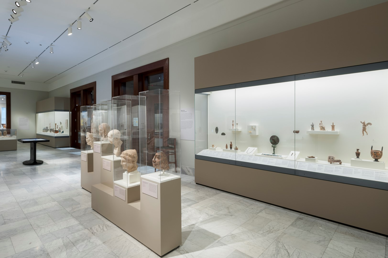 2015Antiquities_Galleries_a03 (Large).jpg