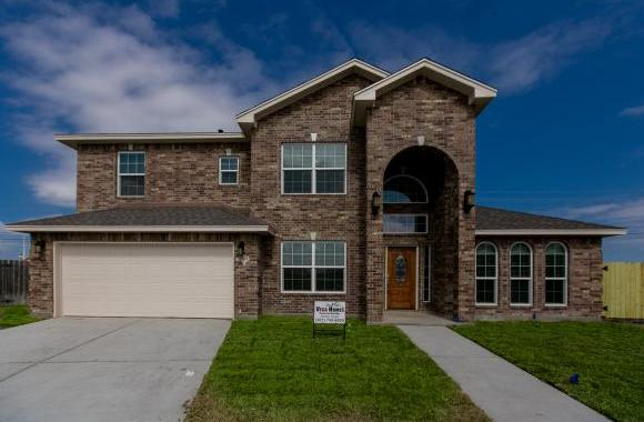 For Sale $274,900 Padre Island - 3/2.5/3 with study