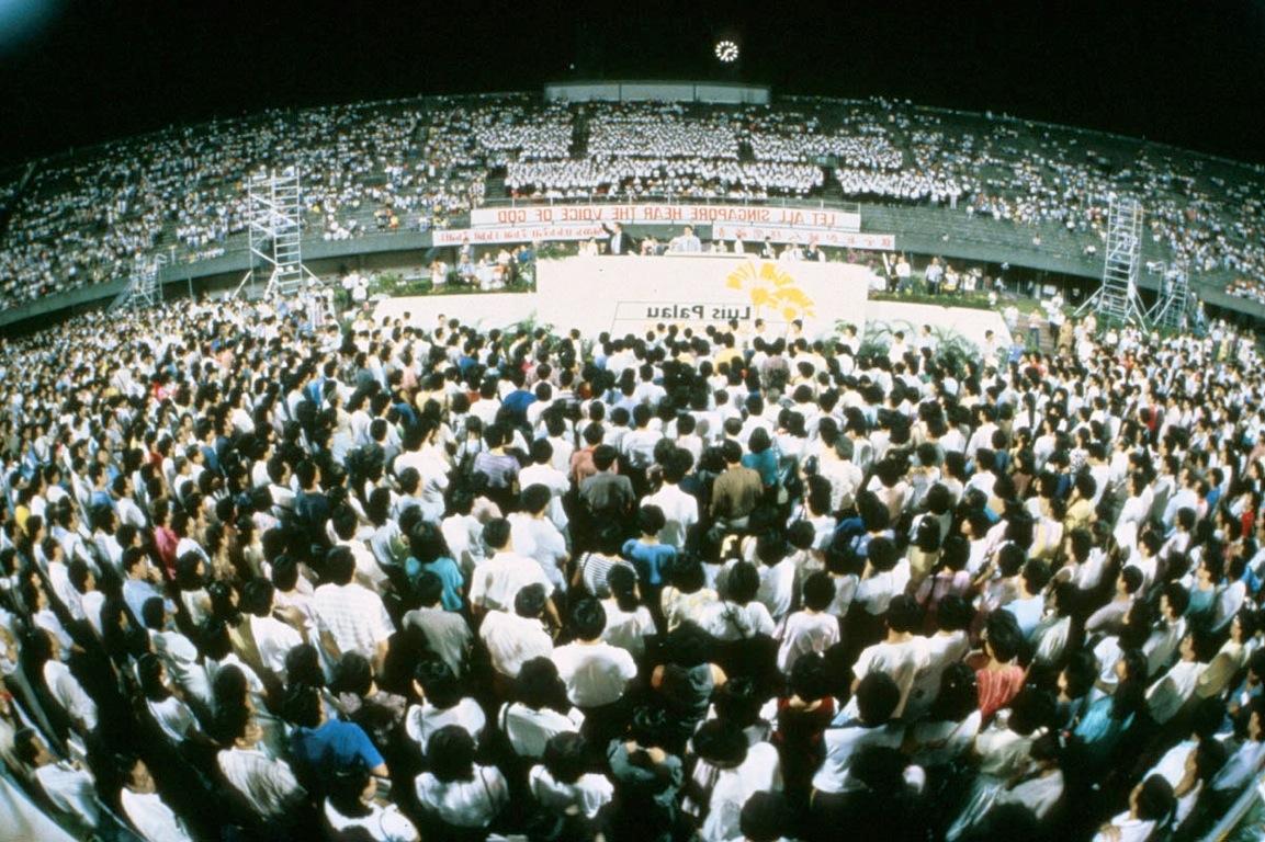 Luis Speaking in Singapore, 1986