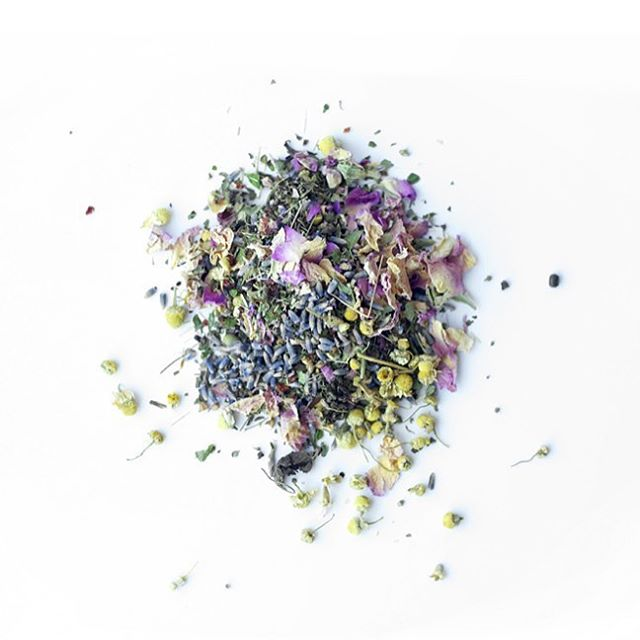 Did you know there are three types of flowers in our de-stress blend? Each have beautifying, calming, and detoxing properties. Rose Petals tonify and clear heat, and Lavender and Chamomile help calm anxiety and promote restful sleep.