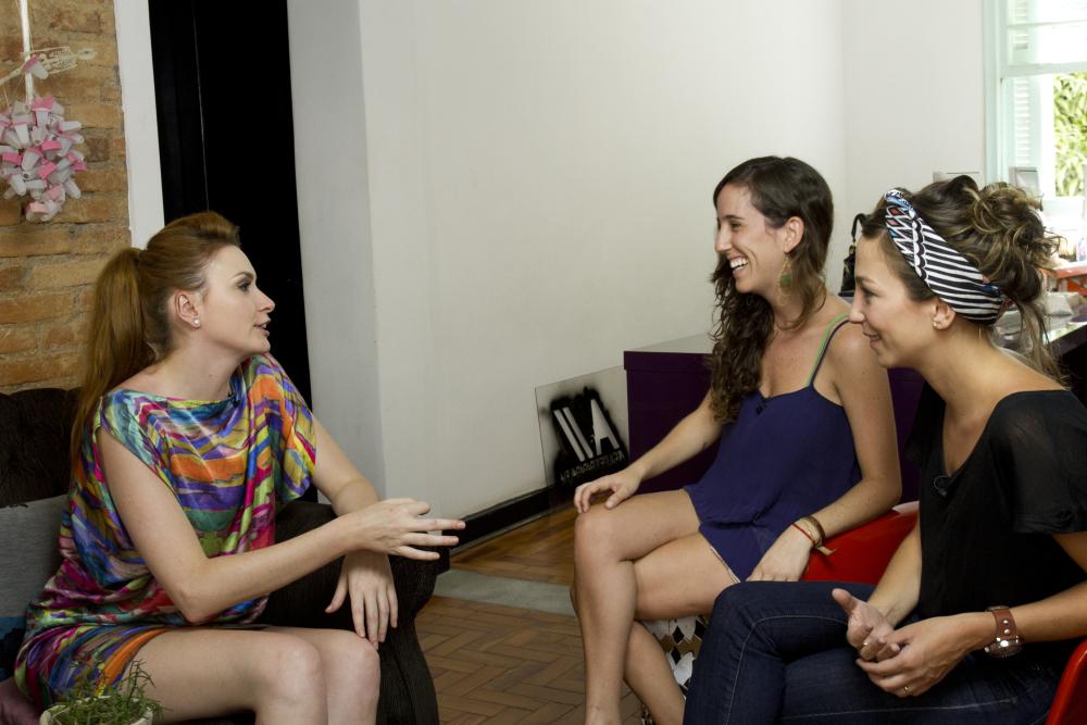 Nossa participação no programa  Glitz , com Bartaba Thomaz.  Para assistir,  clique aqui .