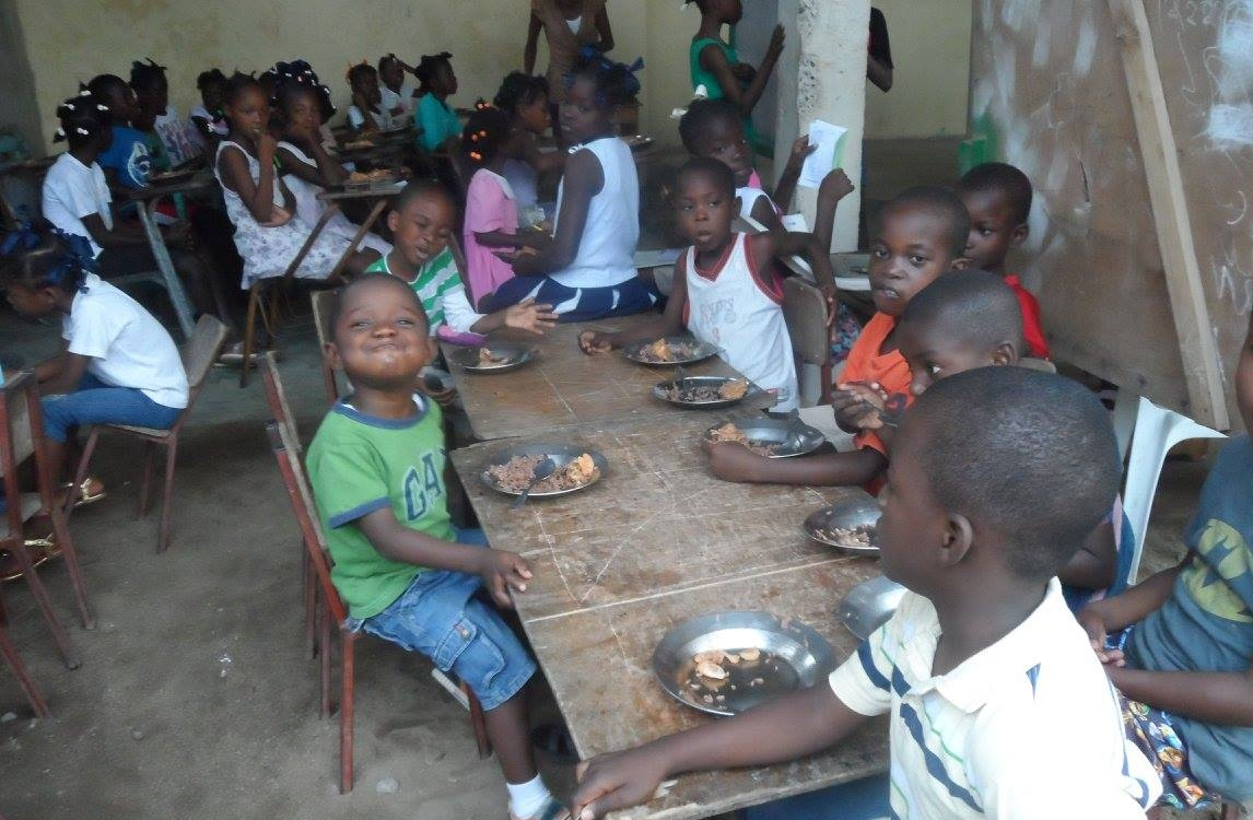 Lunch time at Baja School