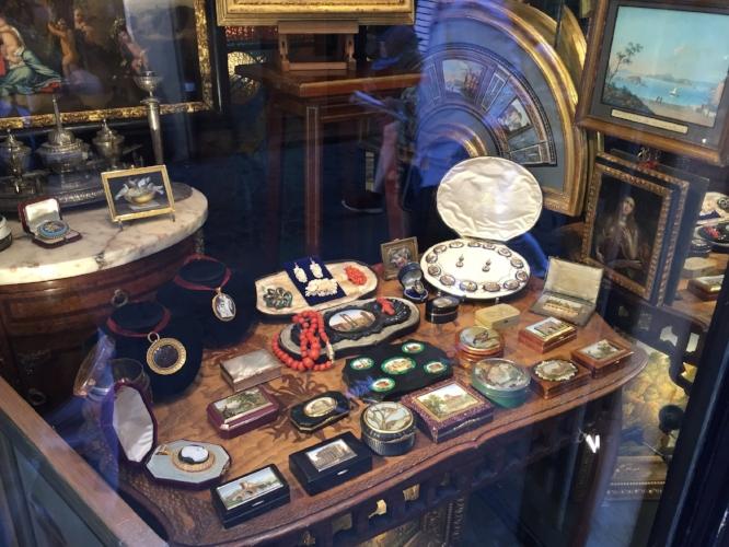 Bruschini Tanca Antiques - Via dei Coronari, 8