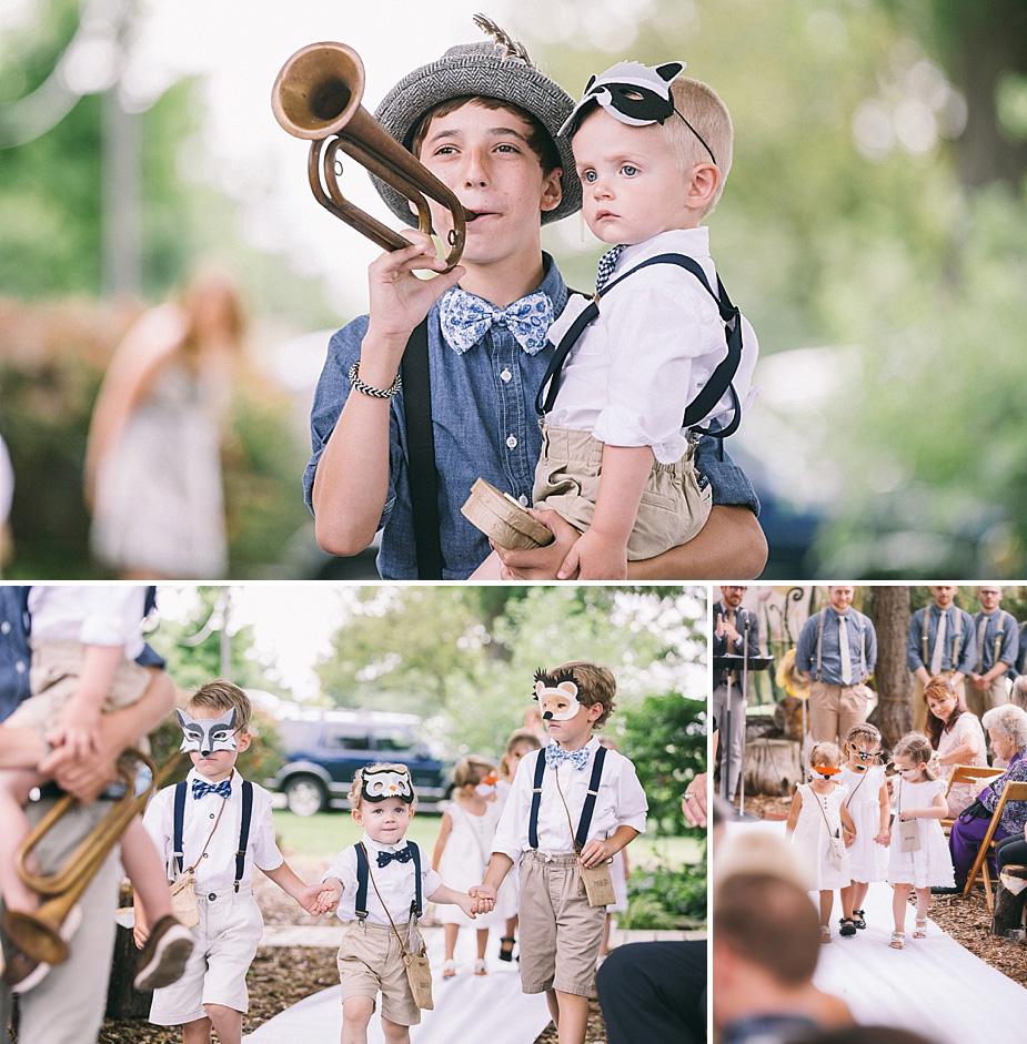 Austin+Hannah+Chicago-DIY-Wedding-Photography_0042-woodlandcreatures