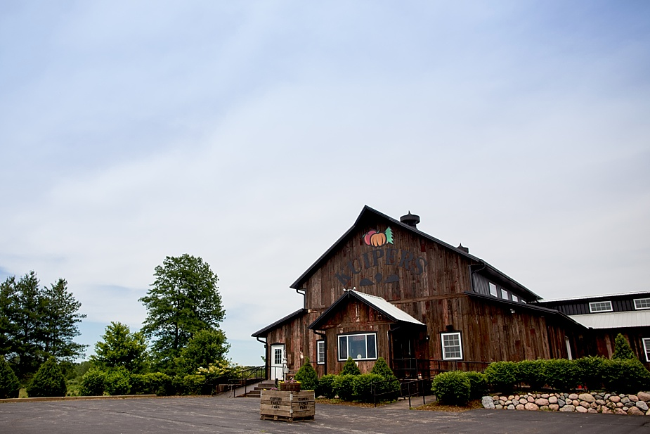 Marinacci_Kuipers-Farm-Rustic_Milwaukee-Wedding-Photographer_0014.jpg