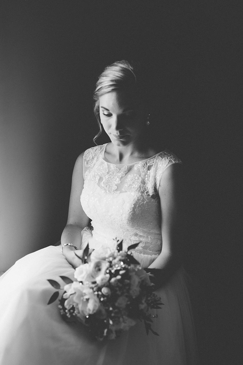 Taylor+Lauryn-Barn-Wedding-Milwaukee-Wedding-Photographer_0029.jpg
