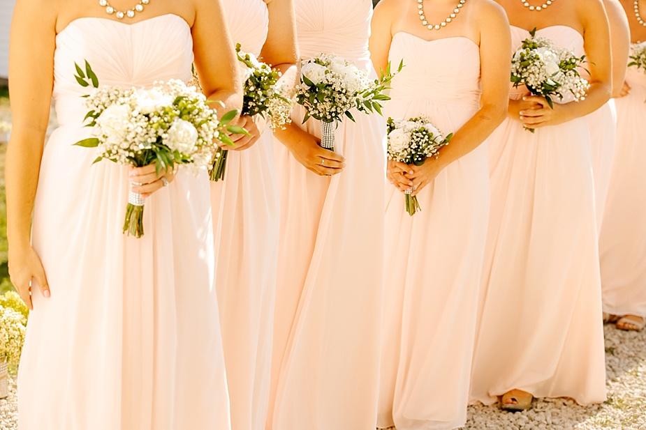 Taylor+Lauryn-Barn-Wedding-Milwaukee-Wedding-Photographer_0037.jpg