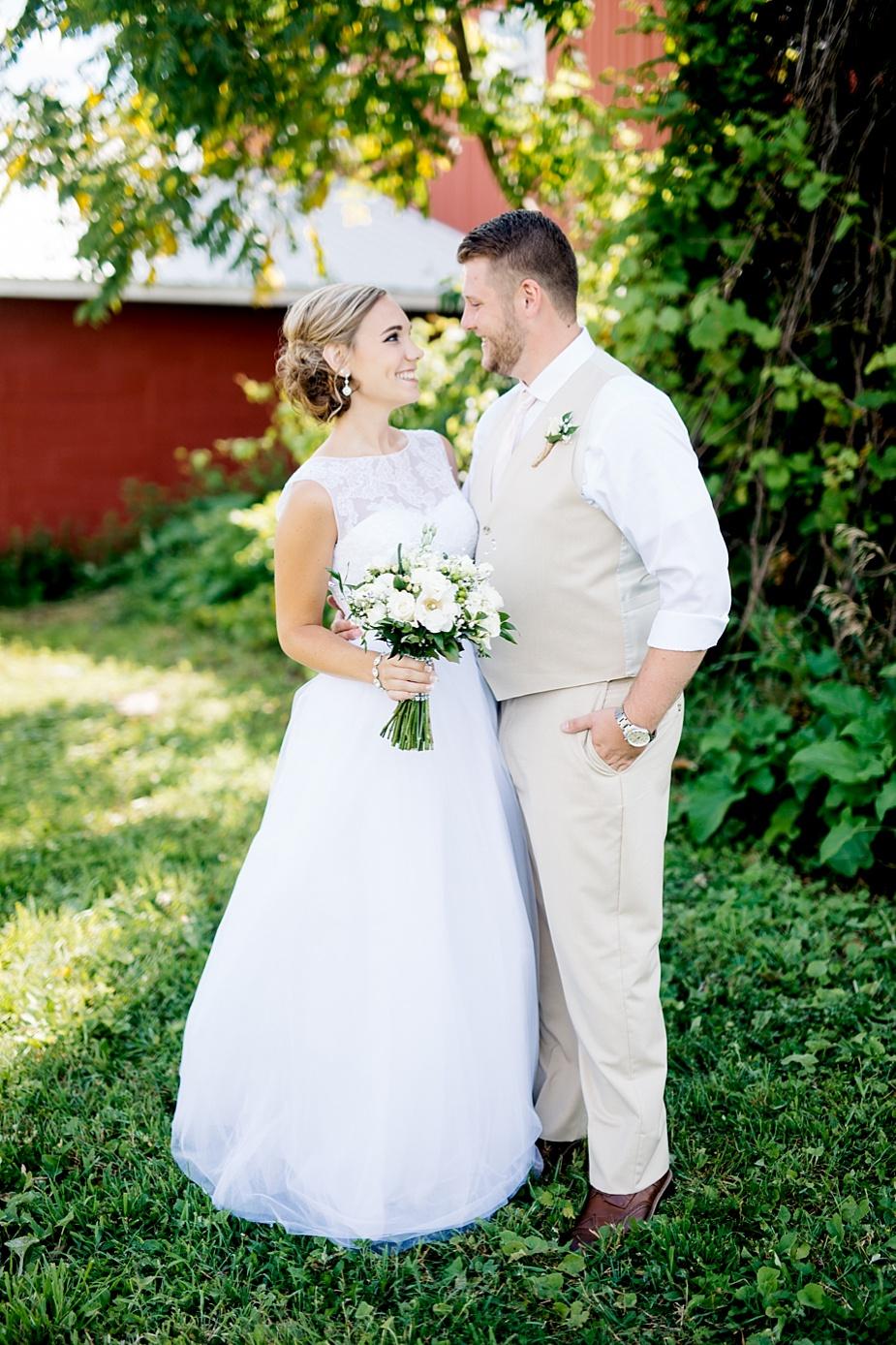 Taylor+Lauryn-Barn-Wedding-Milwaukee-Wedding-Photographer_0055.jpg