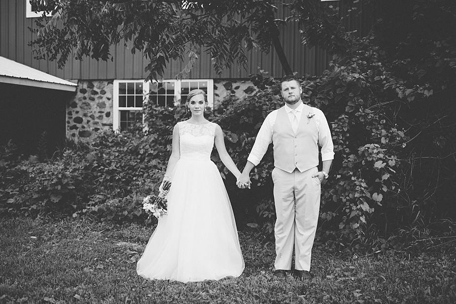 Taylor+Lauryn-Barn-Wedding-Milwaukee-Wedding-Photographer_0061.jpg