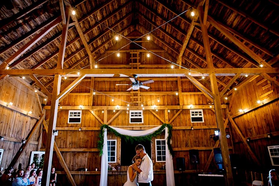Taylor+Lauryn-Barn-Wedding-Milwaukee-Wedding-Photographer_0083.jpg