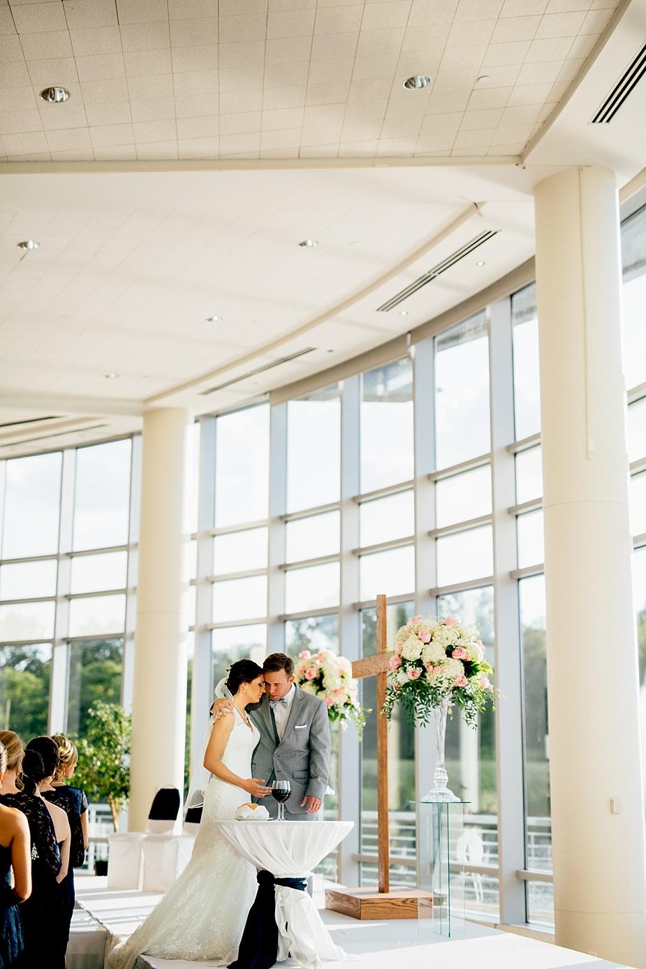 Phil+Abby_milwaukee-wedding-photographer_0053.jpg