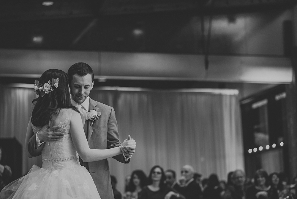 Joey-Evi-Independence-Grove-Spring-Wedding_Liller-Photo_0059.jpg